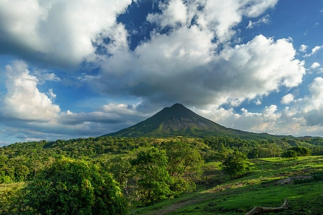 top 5 touring holidays - costa rica