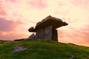 dolmen-456997_640